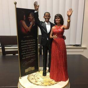 Bradford Exchange Barack and Michelle Obama statue